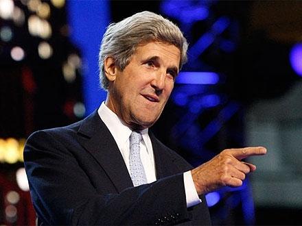 Санкции и финансовая помощь Украине - вот суть законов, подписанных Обамой